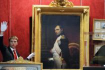 Նոր Նապոլեոնյան դարաշրջանում նրա գլխարկներն ու գուլպաները իշխանության են գալիս