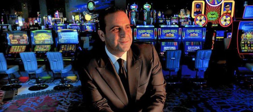 Գիշերային ակումբի սեփականատեր Սեմ Նազարյանը հանձնում է Լաս Վեգաս հյուրանոցի կառավարումը