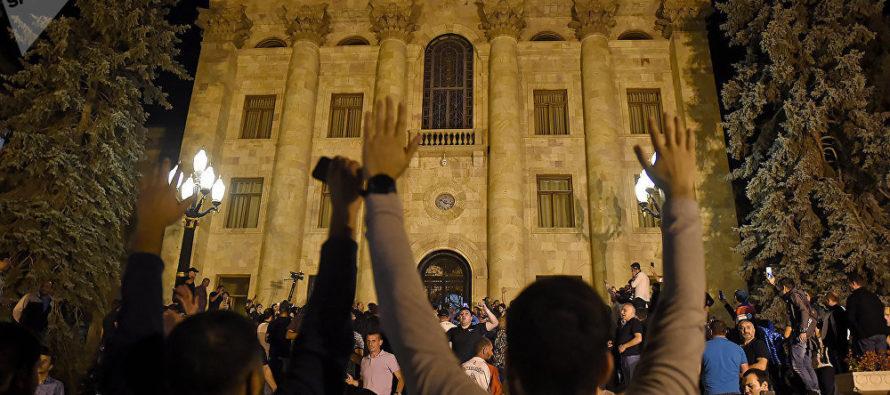 Հայաստան. Վարչապետի և խորհրդարանի հակամարտությունը կարող է բերել ցույցերի նոր ալիք