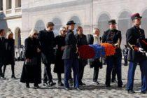 Ֆրանսիայում պոետները երբեք չեն մահանում. Մակրոնը հարգանքի տուրք է մատուցել Ազնավուրին