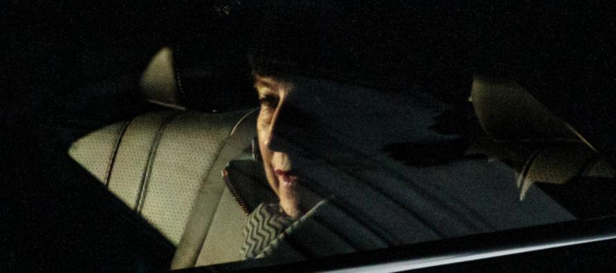 Թերեզա Մեյը զգուշացնում է «հստակ ընտրության» մասին Բրեքսիթի հարցում