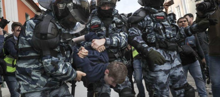 Հազարավոր մարդիկ երթով անցնում են Մոսկվայում ՝ պահանջելով բաց քաղաքային ընտրություններ