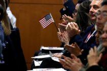 Ամերիկահայ կինը, չնայած ծննդաբերական ցավերին, պնդում է ավարտել քաղաքացիություն ստանալու արարողությունը