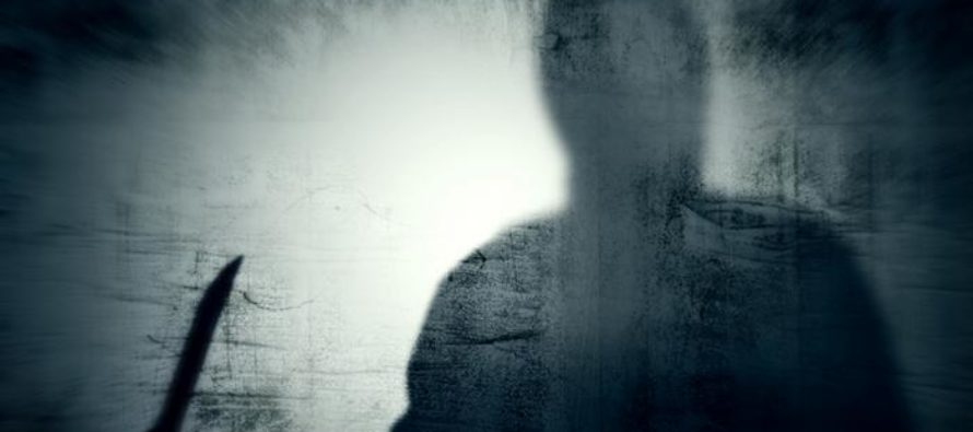 Թբիլիսիի կենտրոնում անծանոթ կինը դանակով հարվածել է երեխայի դեմքին