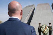Վարչապետ Միշելը հարգանքի տուրք է մատուցում Հայոց ցեղասպանության զոհերի հիշատակին