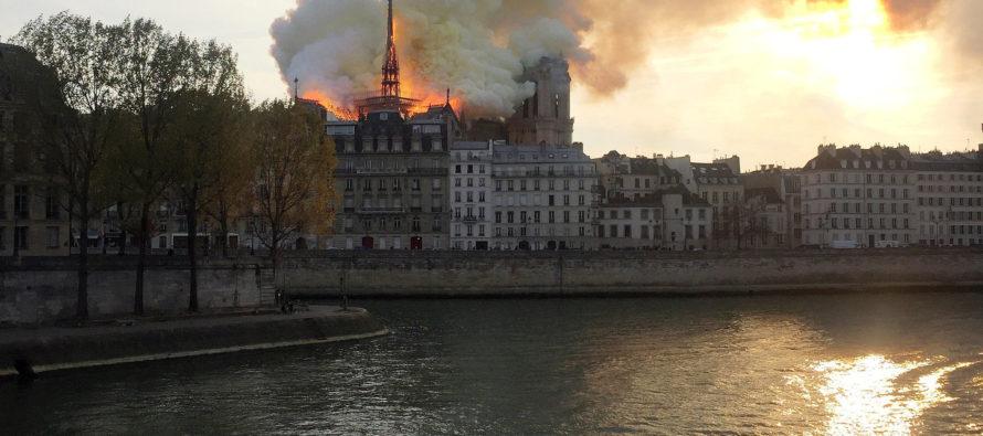 Նոտր-Դամը Փարիզի այրվող սիրտն է